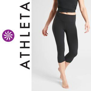 NWOT, Athleta Elation Crop In Powervita Capris M